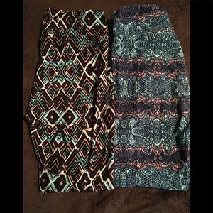 2 pairs of lularoe OS leggings
